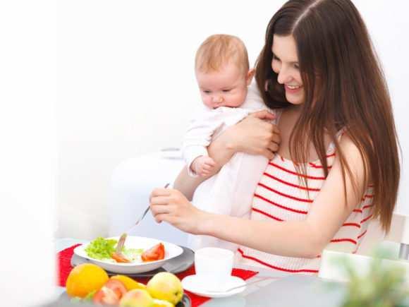 Можно ли варенье при грудном вскармливании: какое выбрать для кормящей мамы