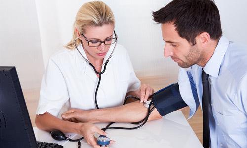 Разное давление на руках: причина, лечение и что это значит и почему происходит