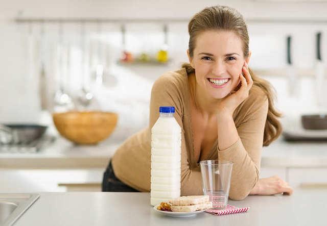 Кефир при грудном вскармливании новорожденного: можно ли его пить кормящей маме