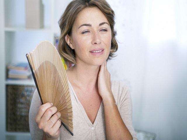Признаки климакса: первые симптомы - как начинается климакс у женщин