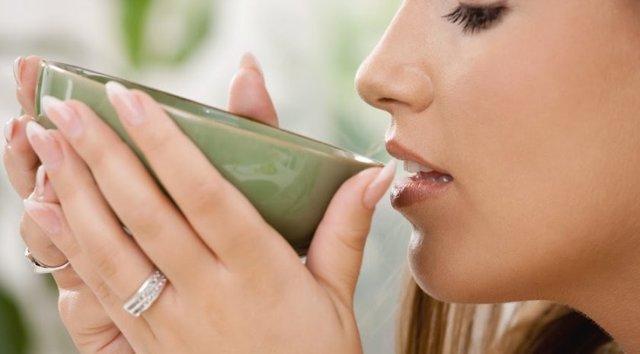 Шиповник при грудном вскармливании: можно ли пить отвар кормящей маме на ГВ
