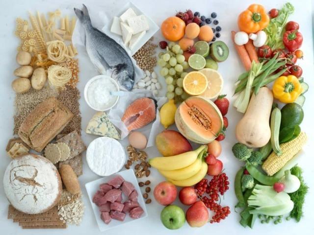 Можно ли кормить грудью при беременности: организация ГВ и противопоказания