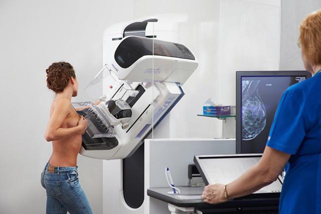 Когда нужно делать маммографию молочных желез: в каком возрасте и как часто