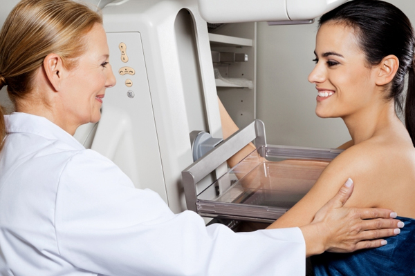 Боль в грудной клетке - симптомы, причины, проявления, какой врач лечит