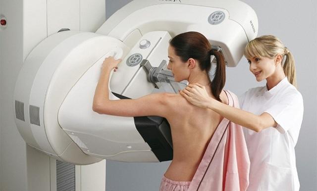 Болит под мышкой у женщины - слева или справа: основные причины боли