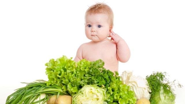 Можно ли кормящей маме капусту: какую лучше есть и как правильно вводить в рацион