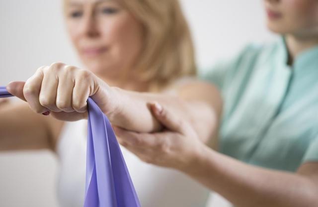 Гимнастика после мастэктомии: видео с упражнениями и ЛФК для рук