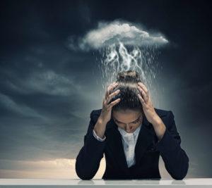 Инсульт: симптомы и первые признаки, как его определить и оказать помощь