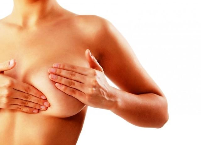 Опрелости под молочными железами: лечение раздражения, зуда и покраснения