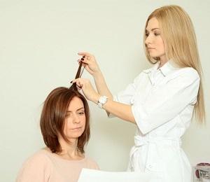 Выпадают волосы при грудном вскармливании: что делать кормящей маме с выпадением