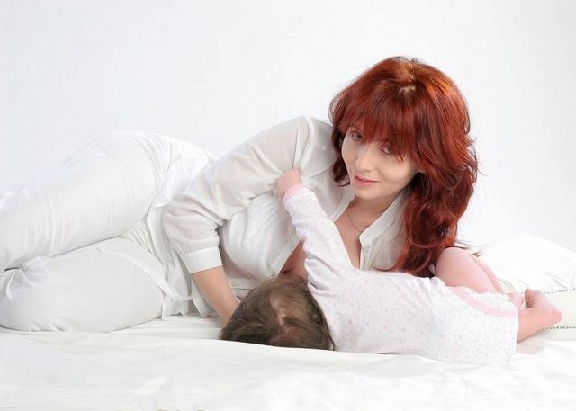 Лактостаз: симптомы, признаки, причины возникновения, профилактика и лечение