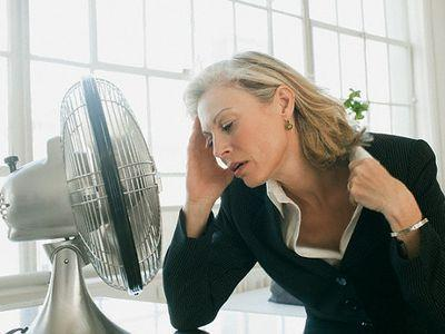 Как начинается климакс у женщин: как понять, что наступает менопауза