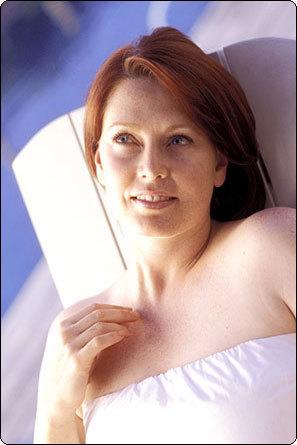 Выделение из грудных желез при надавливании: причины, разновидности, заболевания