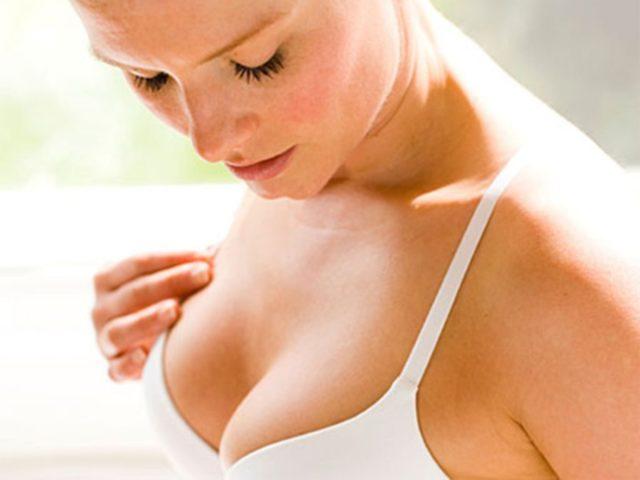 Боли в груди перед месячными: как и почему стали болеть молочные железы