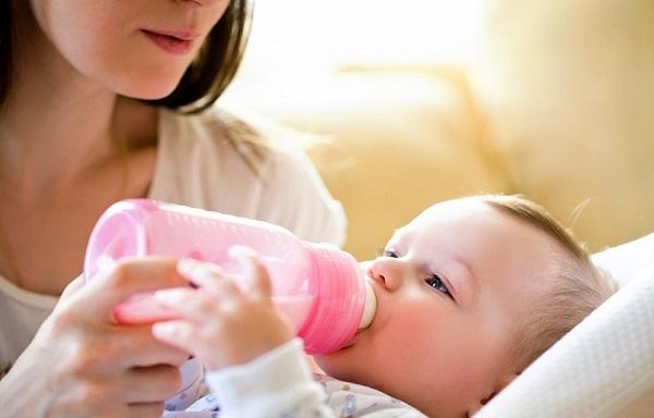 Ангина при грудном вскармливании: как и чем лечить ангину у кормящей мамы