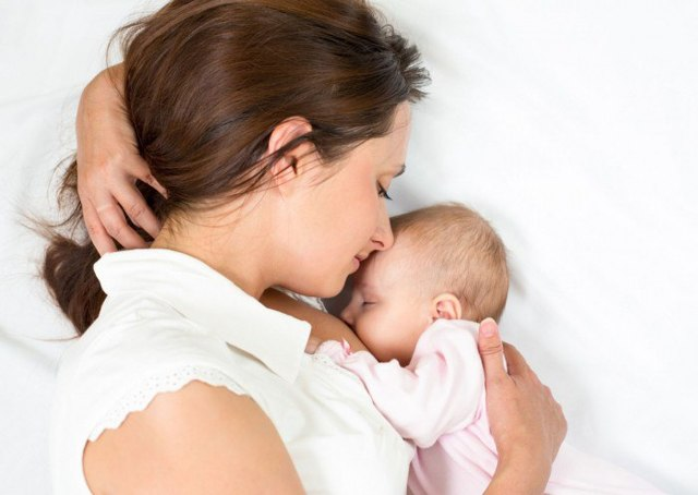 Чернослив при грудном вскармливании новорожденного: можно ли есть кормящей маме