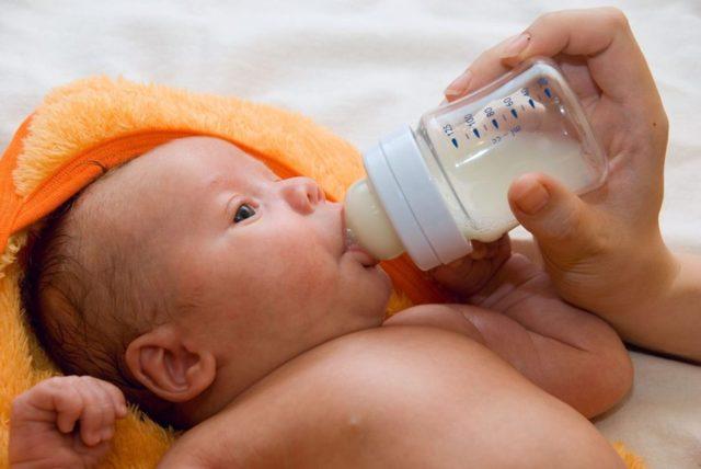 Месячные при грудном вскармливании после родов: когда начинаются
